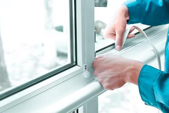 Как починить окно в Москве